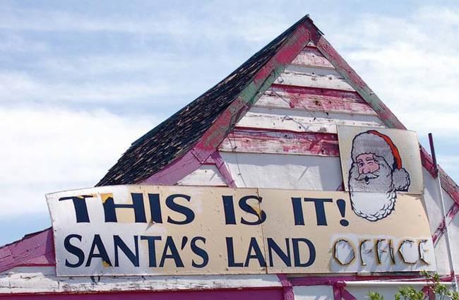 サンタは実在した!!これが彼らが働いていた街だ!!!