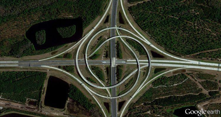 グーグルアースの衛星写真で見ると地上に現れる模様が綺麗で気持ちいい