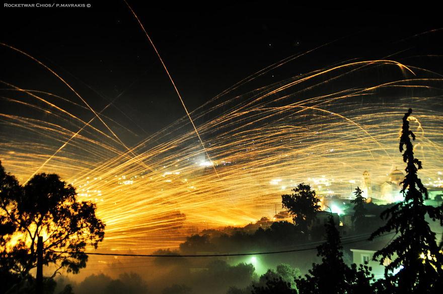 ロケット花火戦争 ギリシャ