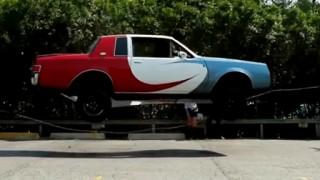 車がぴょんぴょん跳ねてなわとびをする動画が凄いぞ!!