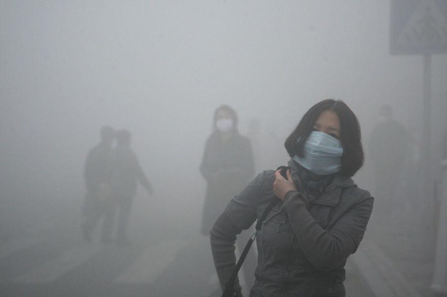 国際安全規格の40倍以上の汚染されたスモッグに包まれる北京