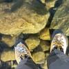 【歩いてみたい】氷が透明すぎる湖を歩いたらまるで宙に浮いているみたいだと話題に