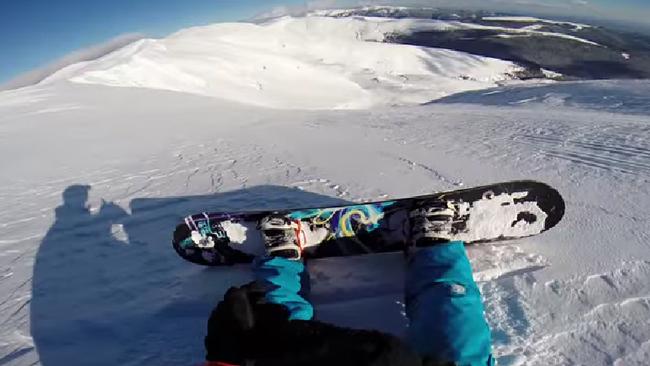 スノーボーダーがGoProで撮った雪崩に巻き込まれる瞬間が話題に!