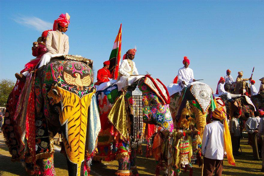 ゾウ祭り インド