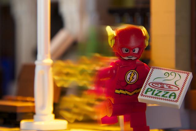 電波塔に登った状態でピザのデリバリーをしたら→ちゃんと届いた