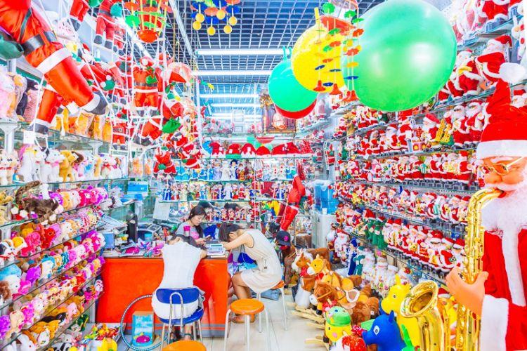 中国・義烏(イーウー)の卸売市場が原宿系ファッション感満載
