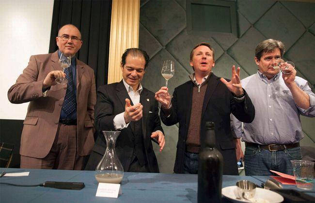 151年前のアメリカ南北戦争で使われた船から出てきたワインをソムリエが飲んでみた