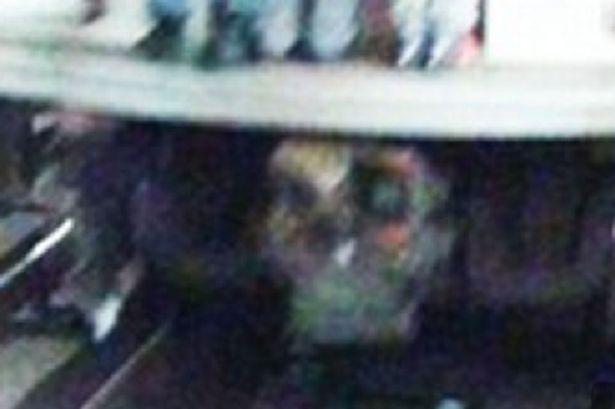 Ghostly-skull-seen-under-NYC-subway-train
