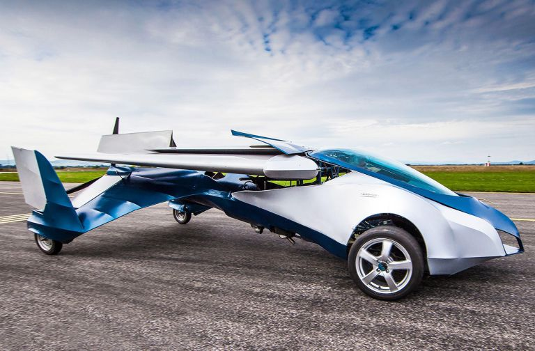 【なんだって!?】2017年に空飛ぶ車がとうとう発売されるぞ!!
