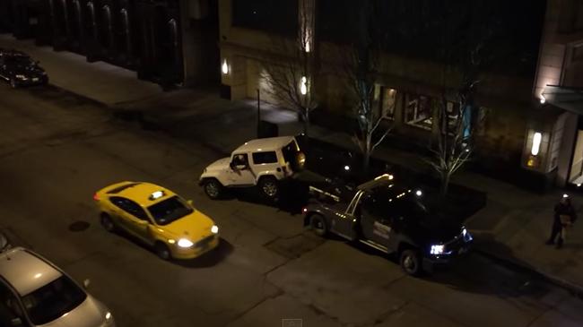 あ!?俺の車がレッカーで移動させられそう!この男が取った驚きの行動この後すぐ!