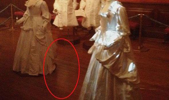 イギリス王族が住んでいた宮殿で子供の霊が写りこむ事案が発生!