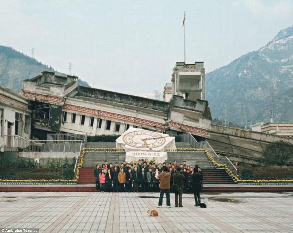 四川地震倒壊した中学校