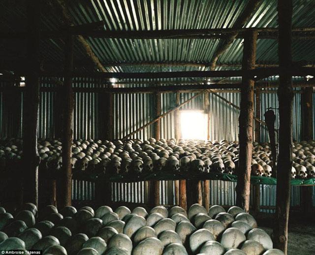 ルワンダ虐殺記念館に展示されている遺骨