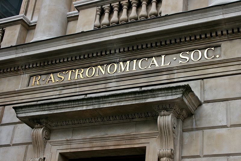800px-Entrance_to_the_Royal_Astronomical_Society_1
