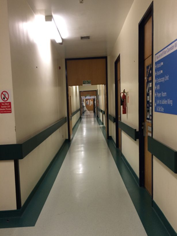 Alleged-ghost-sighting-in-Leeds-General-Infirmary1