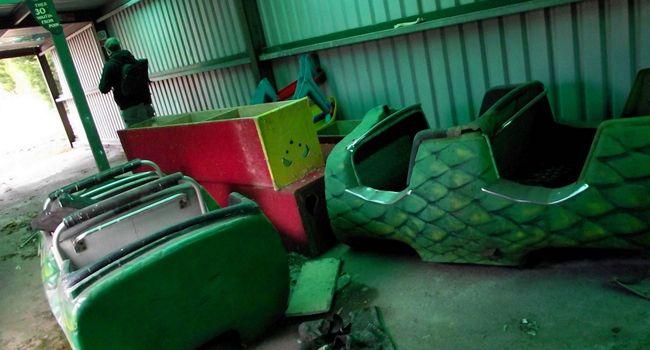 Abandoned-Camelot-theme-park-compressor (1)