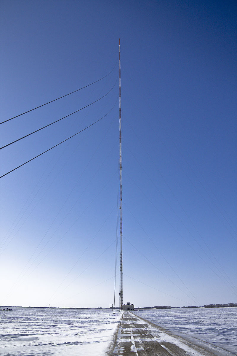 800px-KVLY-TV_Mast_Tower_Wide